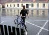 Pršelo.. Na to není dobrý píchlý kolo.. Co, Majkle?..