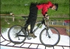 Yabasta biker Yce při lopingu..