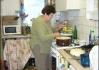 Bába Lišků ve svý kuchyni na lektvary..