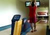 Te-Be-Znám pózuje na promo fotce lhotecké bowlingárny (škoda, že ty slibovaný internetový stránky ještě nejsou v provozu)