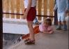 Olgoje Chorgoje tu jí i malý děti.. Schody pro trupíky tu fungujou jako skluzavka.. Chtěli jsme se taky sklouznout, ale nepustili nás..