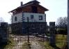 Potomek husitů si postavil domeček ve stínu pravé hory Tábor..