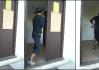 Don Marčélo. Machroval, machroval, až uslyšel bouchnout dveře od hospody a v tu ránu pelášil rychle klobouk vrátit kam patřil, aby nedostal po čuně..