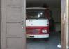 Nahlédnutí pod pokličku - hasič ukazuje svojí stříkačku. Akcelerace na 100 km/h za 14!  (kilometrů..)